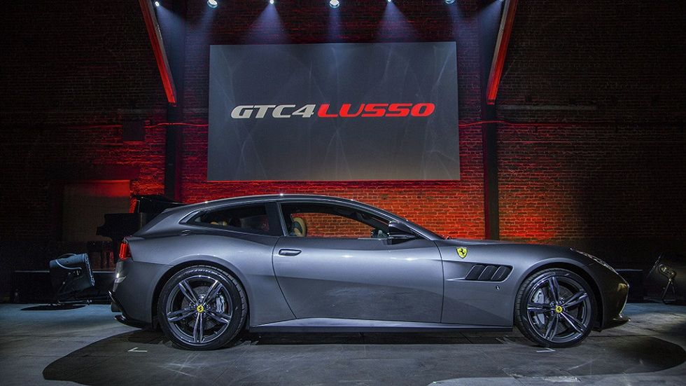 Ferrari GTC4Lusso 2018! The Speed Machine
