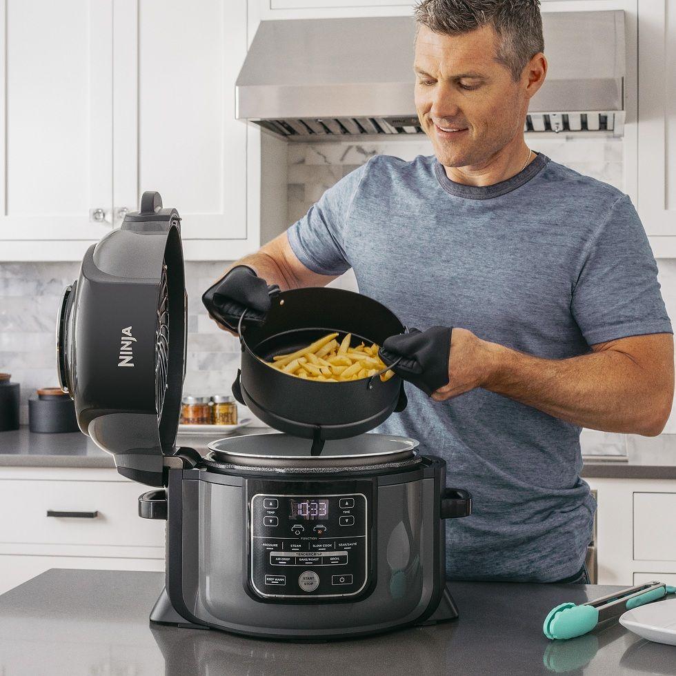 Men Can Cook Now! Ninja Foodie OP300
