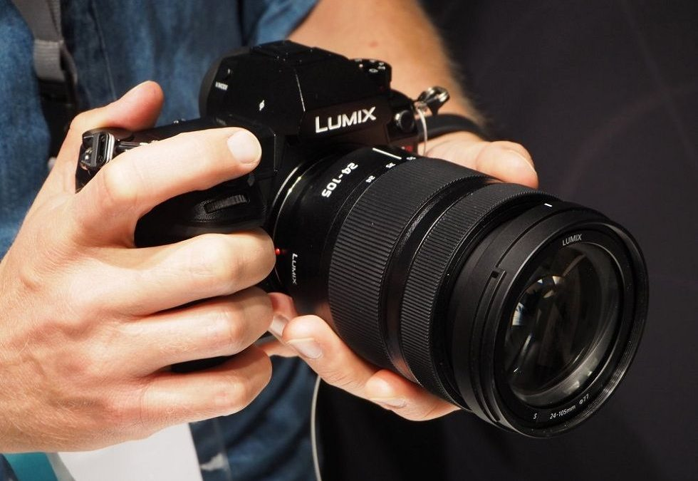 Lumix S1 and S1R! Panasonic's First Full-frame Mirrorless Cameras