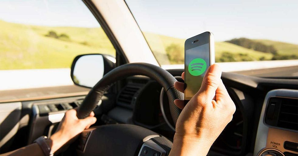 Spotify Car View! Control you music listening while driving