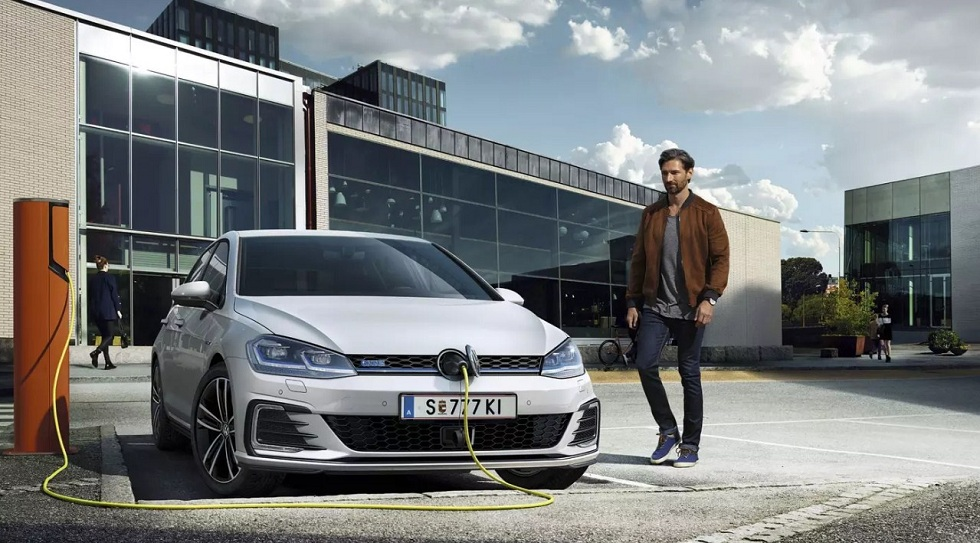 Volkswagen! Car batteries and mobile EV chargers