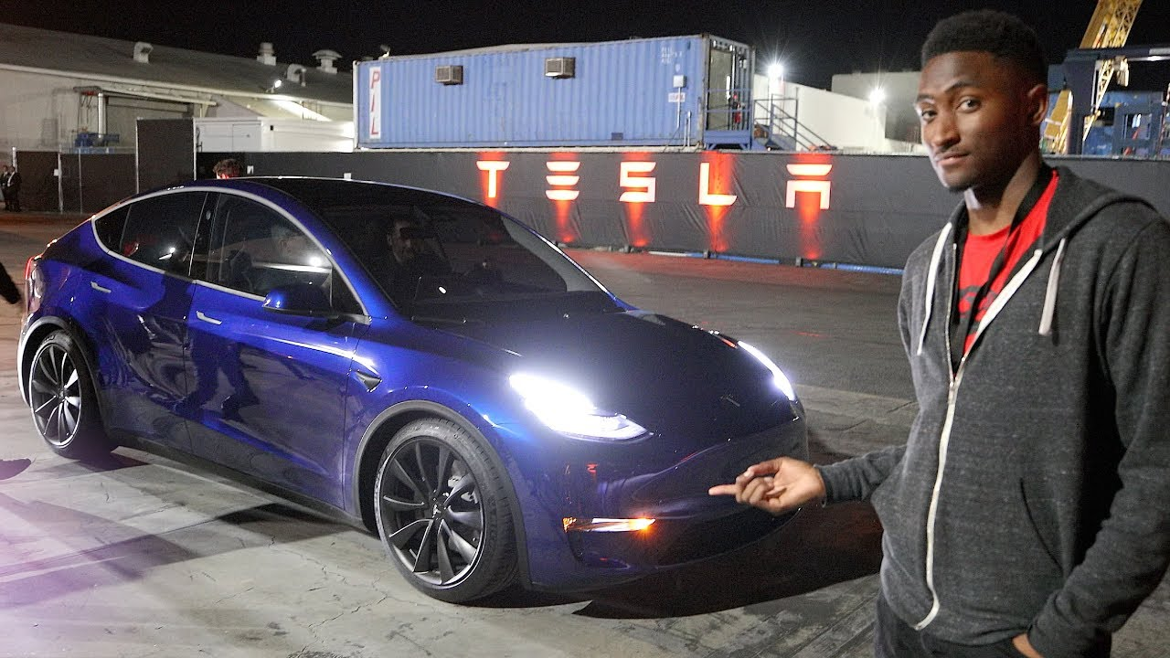 The New Tesla Model Y! The First Impression