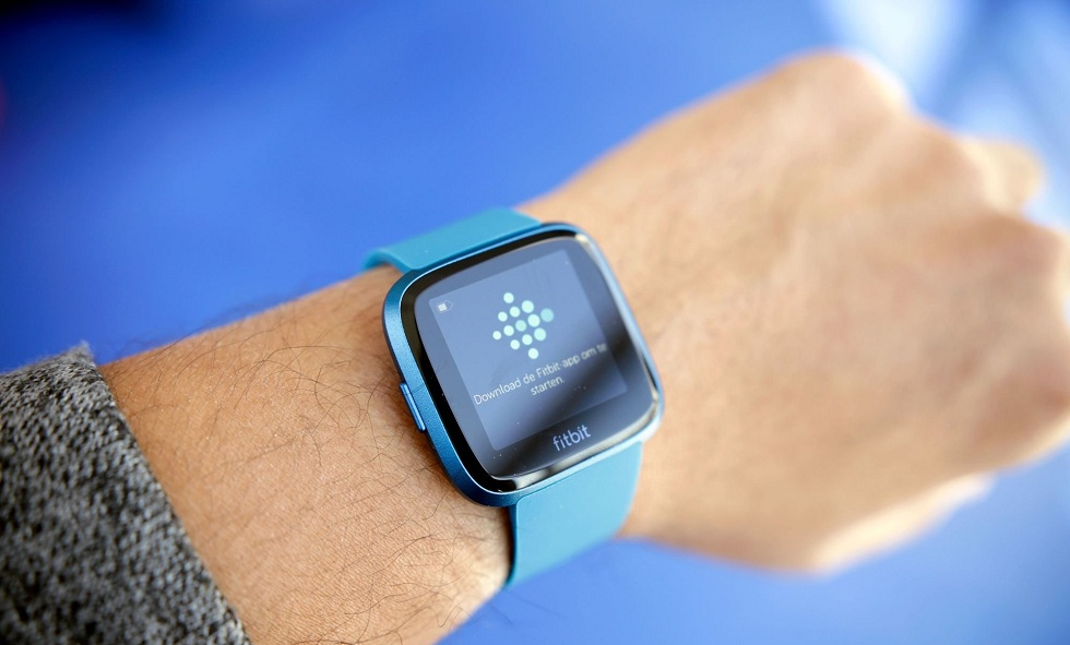 Fitbit's new Versa Lite smartwatch! The New Wearable