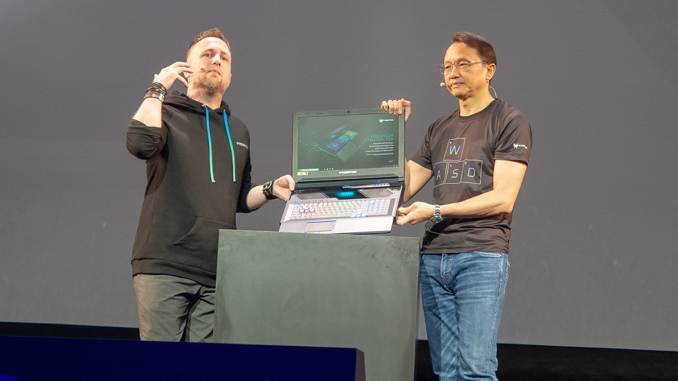 Acer Predator Helios 700! Gaming laptop