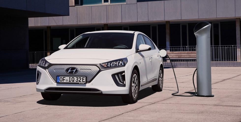 Hyundai's Ioniq EV! Bigger Battery and Connectivity
