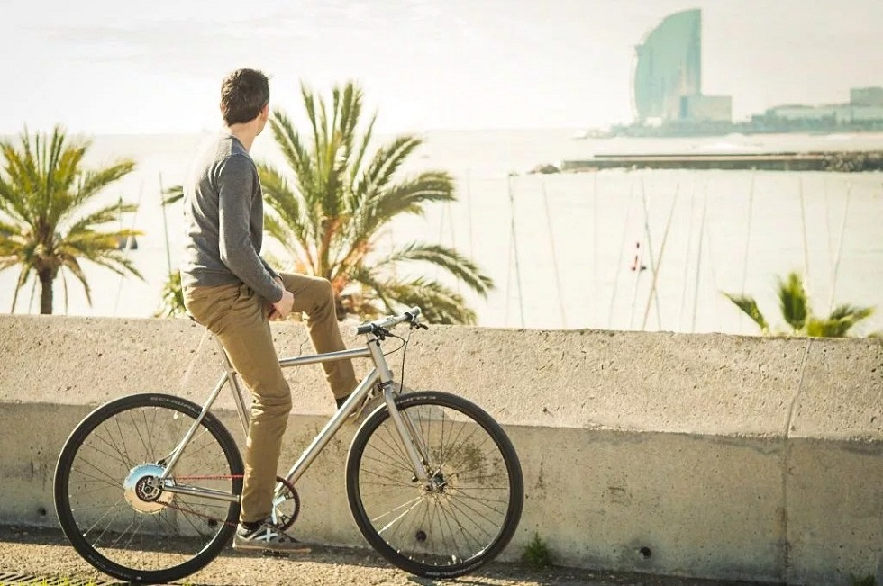 The Titanium Nua Electrica E-Bike! Don't Need Charging