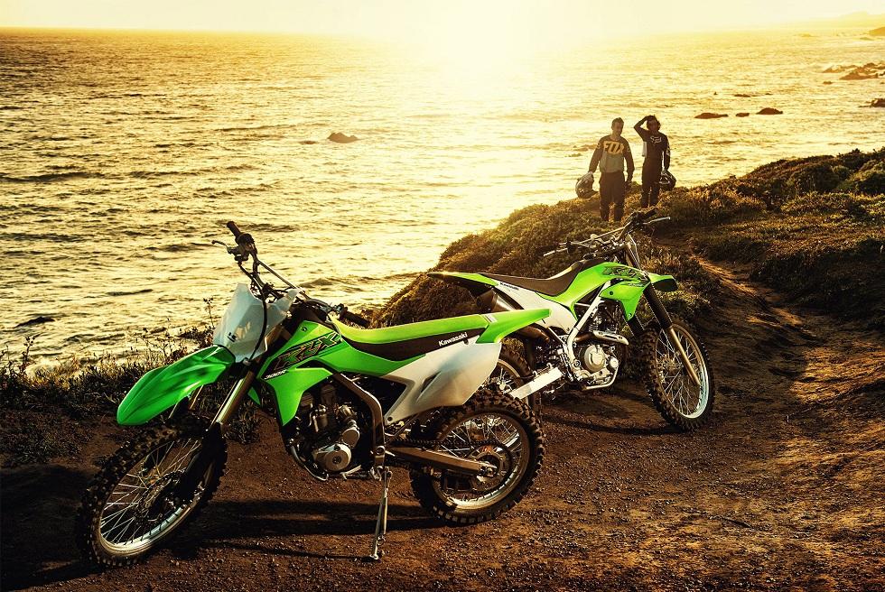 Kawasaki's KLX Dirt Bikes 2020! Accessible and Skillful