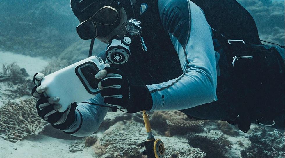 The Xpoovv underwater phone case! Get It