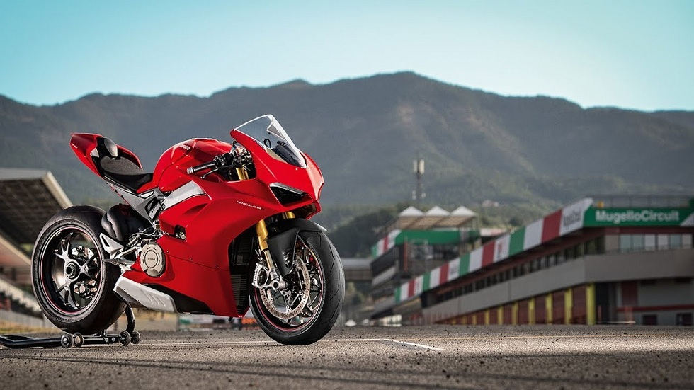 Ducati Panigale V4 Motorcycle! The Streetfighter
