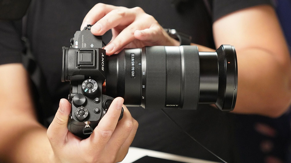 Sony A7R IV! Full-Frame Mirrorless Camera with 61 MP