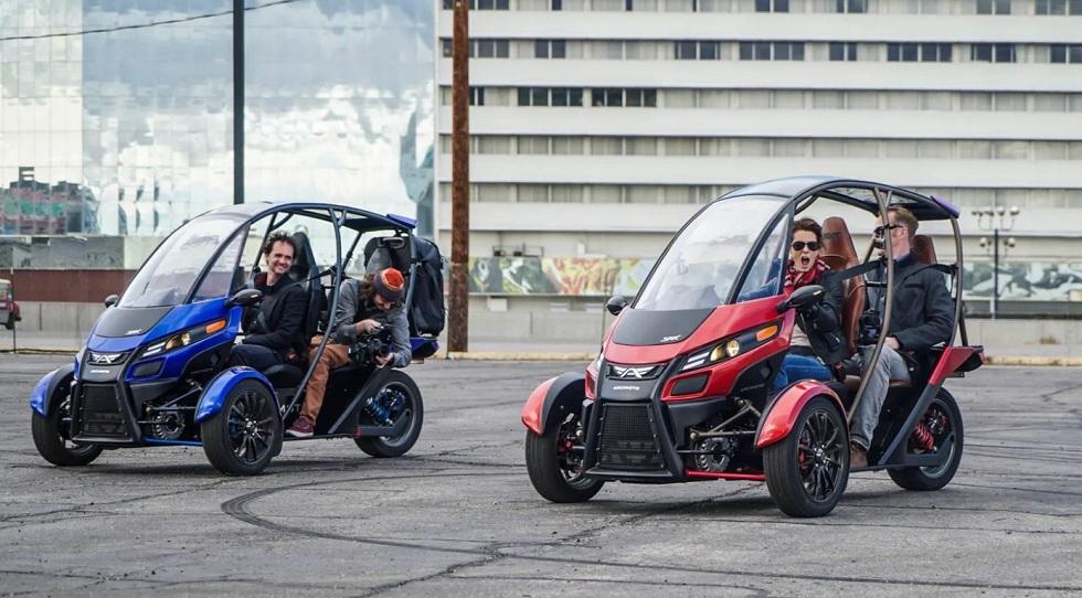 Arcimoto Begins delivering three-wheeled electric FUV
