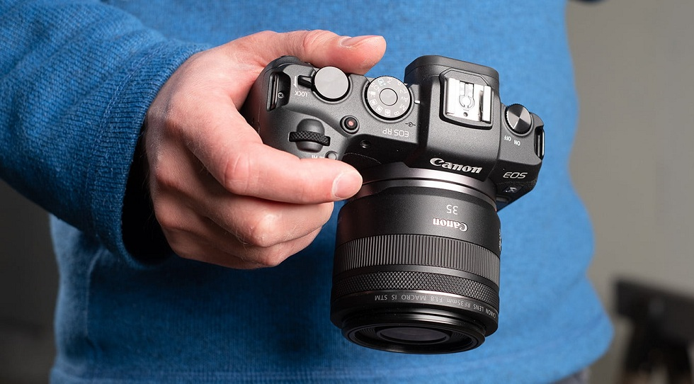 Canon comes Up with EOS M200! With 4K Video Shoot