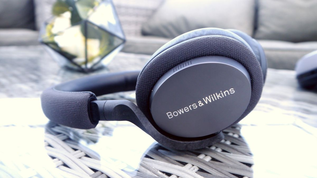 Hands-on Bowers and Wilkins' New PX7 Headphones