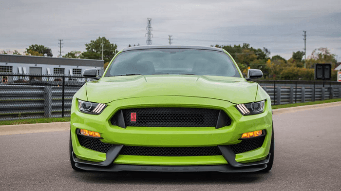 Complete Review of 2020 Ford Mustang Shelby GT350R
