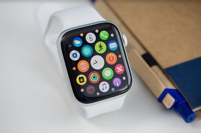 Apple Watch Series 5 - Best Smartwatches to Buy
