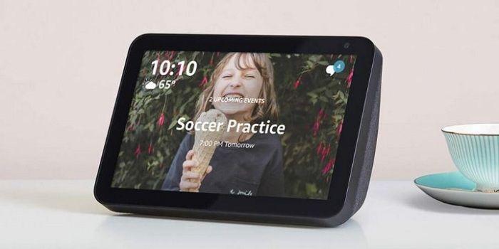 Amazon Echo Show 8 display