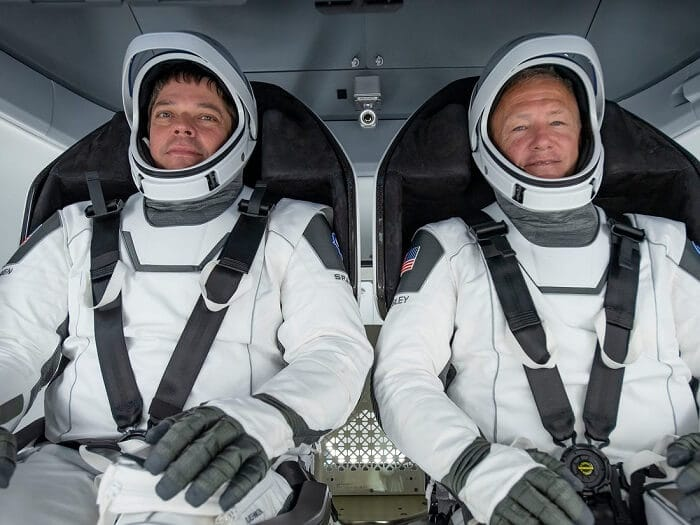 NASA astronauts returns to earth